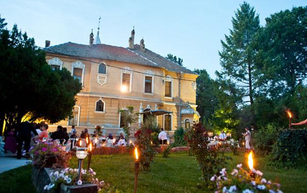 Nunta in aer liber Arad Domeniul Lupas