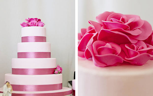 Tort roz de nunta cu panglica